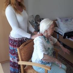 Yoga mit Demenz zu Hause